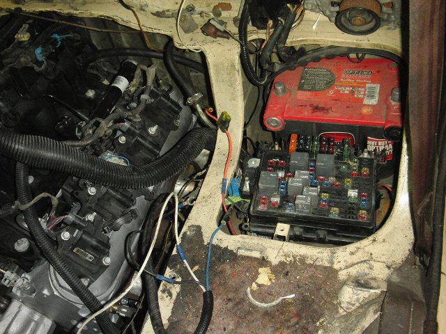 mitsubishi express fuse box location schematics wiring data u2022 rh case hub co Mitsubishi Fuse Box Location Mitsubishi Eclipse Fuse Diagram